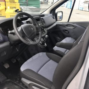MINI BUS 9 POSTI OPEL VIVARO PATENTE B